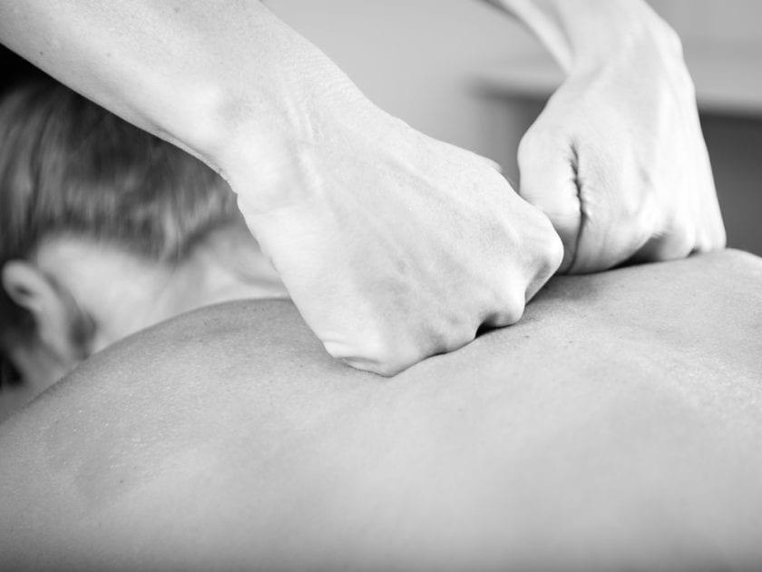 Massasje og behandling hjemme fra vår Osteopat Kjersti Eidstuen - Kropp og Helseklinikken Gjøvik